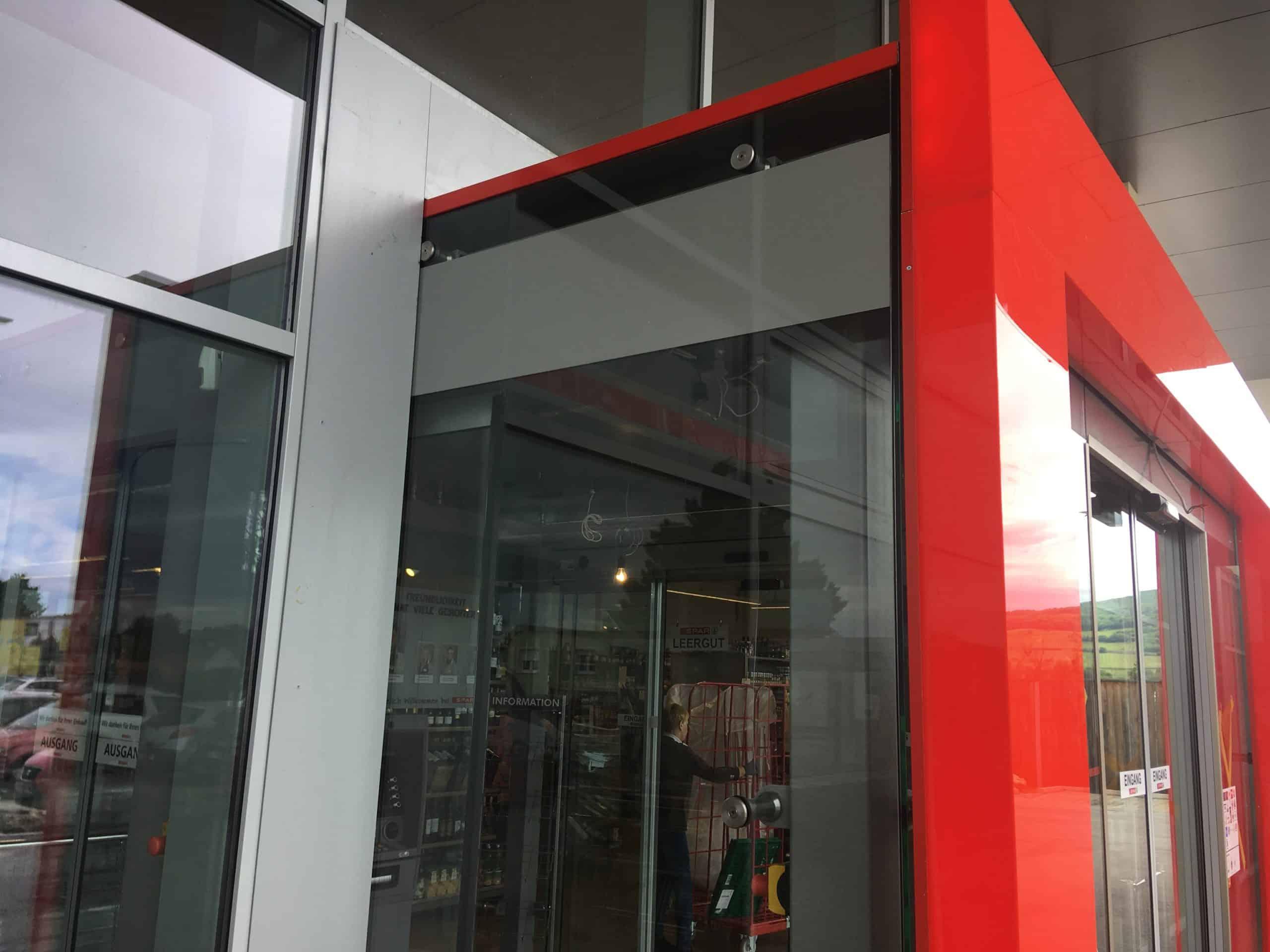 Sichtschutz mit Glasdekorfolie